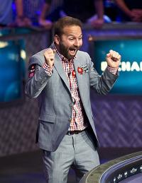 Twitter : Daniel Negreanu distribue 5000 $ à ses followers
