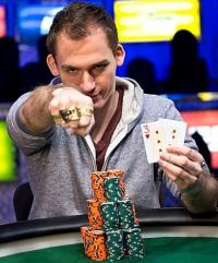 LIVE : Justin Bonomo remporte le Super High Roller Bowl China pour 4,8 millions de dollars
